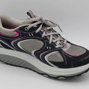 Skechers Women's Shape Ups  Sneaker Size 9